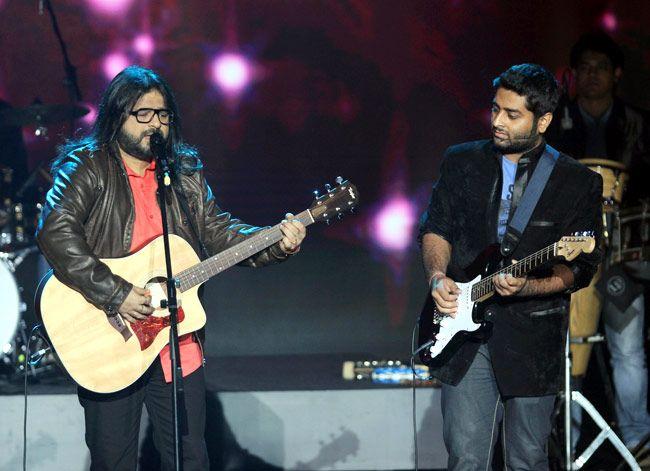 Bollywood stars perform at IIFA 2013