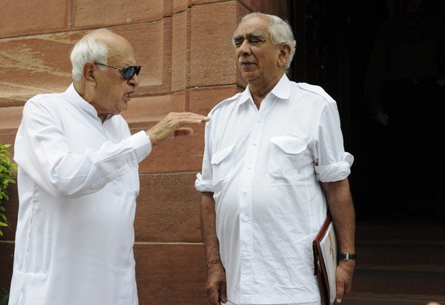 Farooq Abdullah with Jaswant Singh