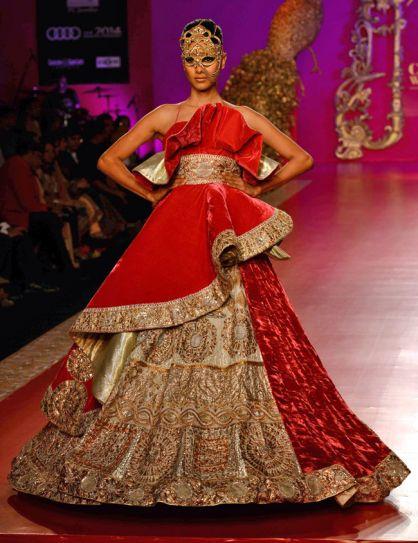 Model in Ritu Beri's outfit