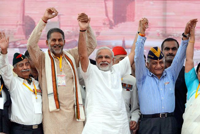 Narendra Modi with ex-Army chief Gen VK Singh