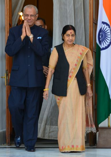 Navinchandra Ramgoolam, Sushma Swaraj