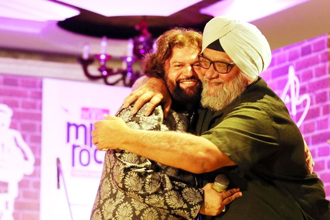 Bishan Singh Bedi with singer Hans Raj Hans at the India Today Mind Rocks Youth Summit 2014 being held in Chandigarh.