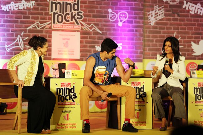 Kalli Purie with Vijender Singh at the India Today Mind Rocks Chandigarh 2014.