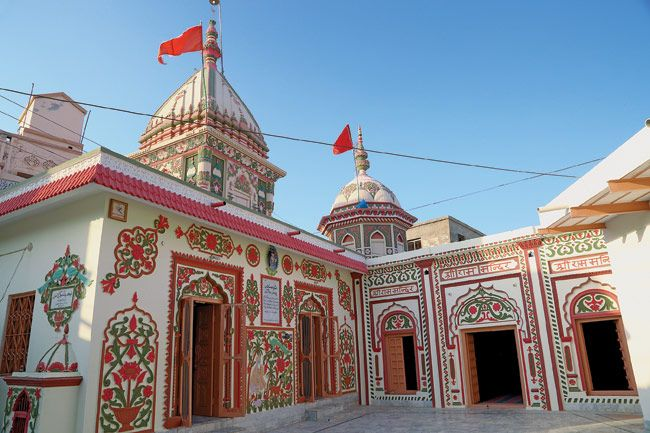 Historic temples in Pakistan