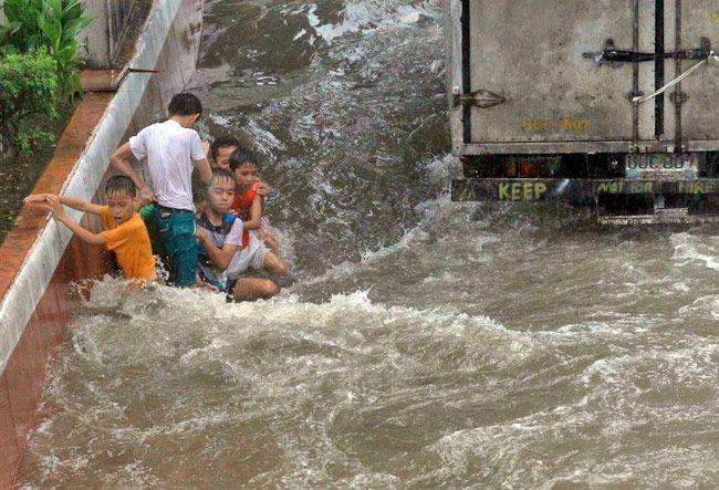 Heavy rain in Manila