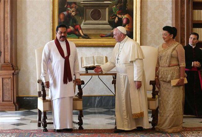 Sri Lankan President Mahinda Rajapaksa and Pope Francis