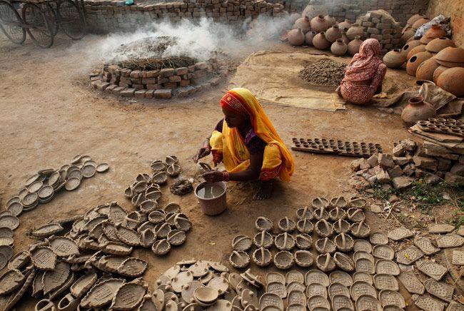 Potters make lamps