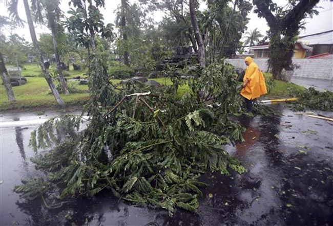 Typhoon Hagupit hits Philippines