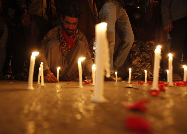 Man mourns victims of Taliban attack