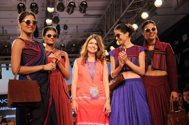 Shruti Sancheti (Centre) with the models who walked for her.
