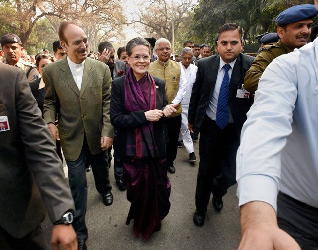 Sonia Gandhi with other Congress leaders