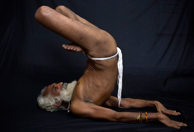 Rare Pictures Of Indian Yogis Who Are Incredible At Yoga -1606