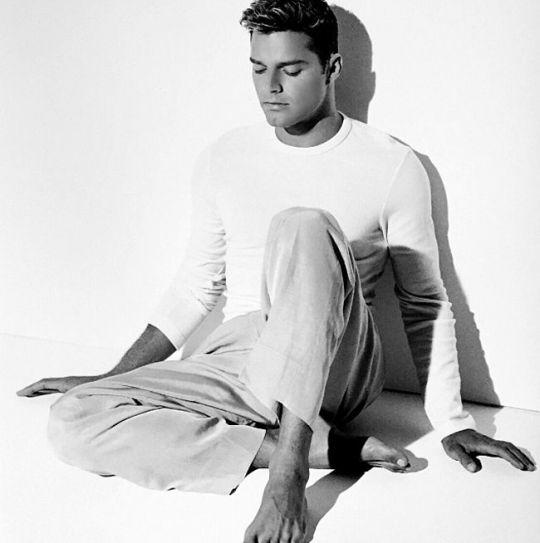 Ricky Martin Hatha yoga