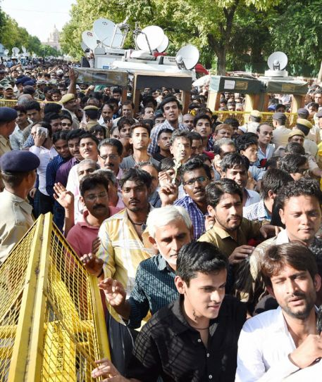 Nation pays homage to Dr Kalam