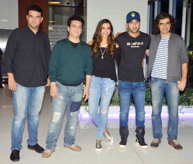 (L-R) Siddharth Roy Kapur, Sajid Nadiadwala, Deepika Padukone, Ranbir Kapoor, Imtiaz Ali at Tamasha party