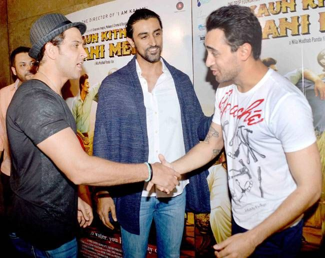 (L-R) Hrithik Roshan, Kunal Kapoor and Imran Khan at Kaun Kitney Paani Mein screening