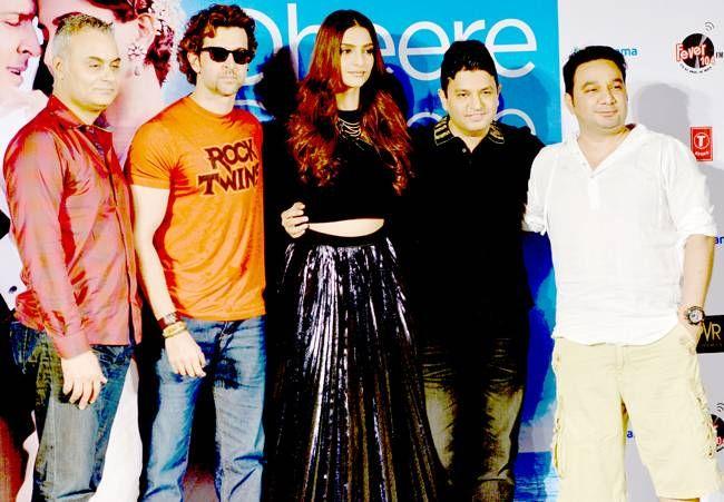 (L-R) Hrithik Roshan, Sonam Kapoor, Bhushan Kumar and Ahmed Khan at Dheere Dheere song launch