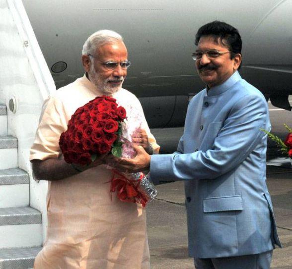 Narendra Modi paying tribute to Dr Babasaheb Ambedkar