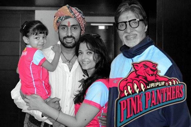 Aaradhya Bachchan with Abhishek and Aishwarya