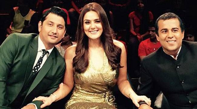 Nach Baliye 7: The seventh season of the dance reality show, saw the debut of author Chetan Bhagat on small screen as a judge. Preity Zinta and Marzi Pestonji were the other judges. The show was hosted by Rithvik Dhanjani and Karan Patel. Nandish Sandhu