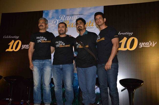 (L-R) Atul Kulkarni, Aamir Khan, Siddharth and Sharman Joshi