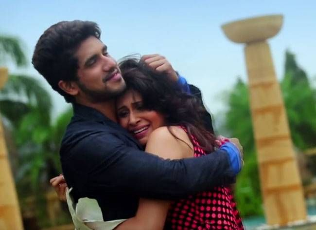 Suyyash Rai met Kishwer Merchant on the sets of Star One's Pyaar Kii Ye Ek Kahaani. After coming back from the sets on 11 pm, the actors connected on phone and kept talking till the morning.