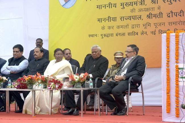 Jharkhand CM Raghubar Das & Governor Draupadi Murmu.