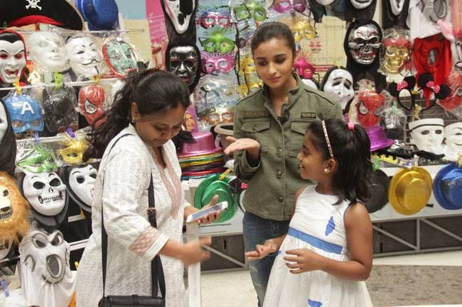 Alia Bhatt will sell superhero masks to kids for a day.