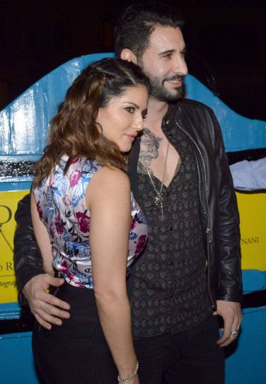 Sunny Leone and Daniel Webber at Dabboo Ratnani's calendar launch