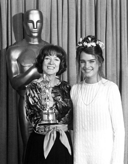 Maggie Smith (L) and Brooke Shields