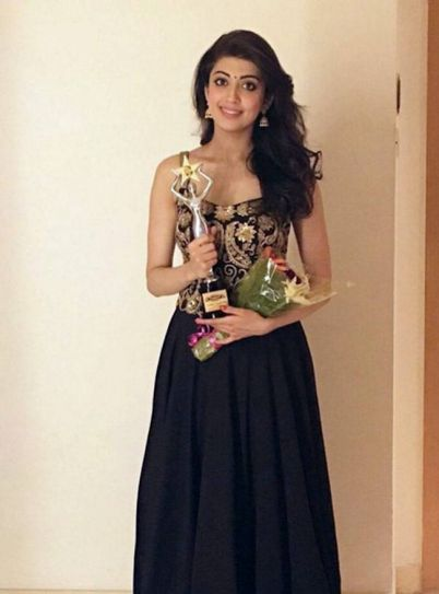 Pranitha at Edison Awards