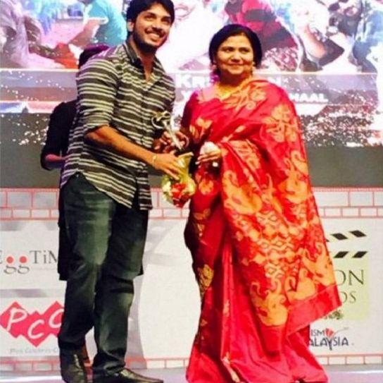 Sathish at Edison Awards