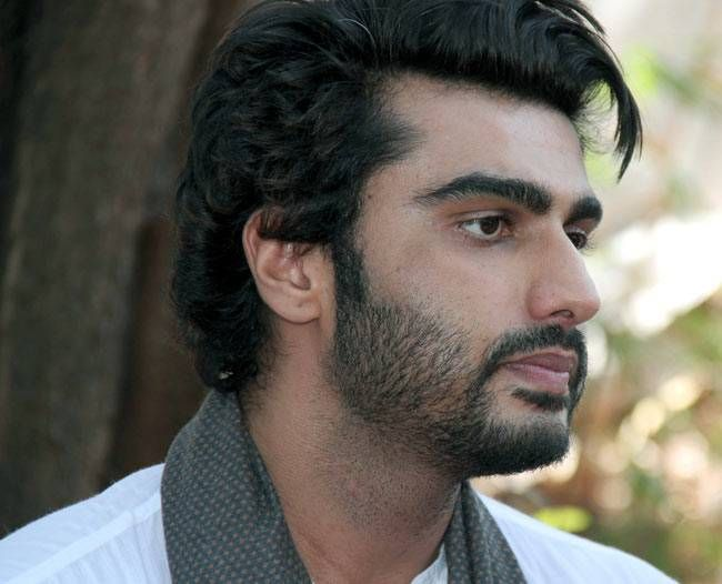 Arjun Kapoor teamed up a white kurta with blue denims.