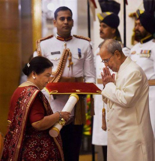 Padma Awards 2016 at Rashtrapati Bhavan