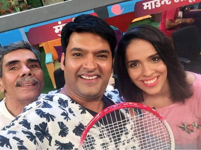Looks like Saina Nehwal gave badminton lessons to Kapil Sharma and his team when she appeared on the ace comedian's show for the second time. Her first appearance was on Comedy Nights With Kapil.