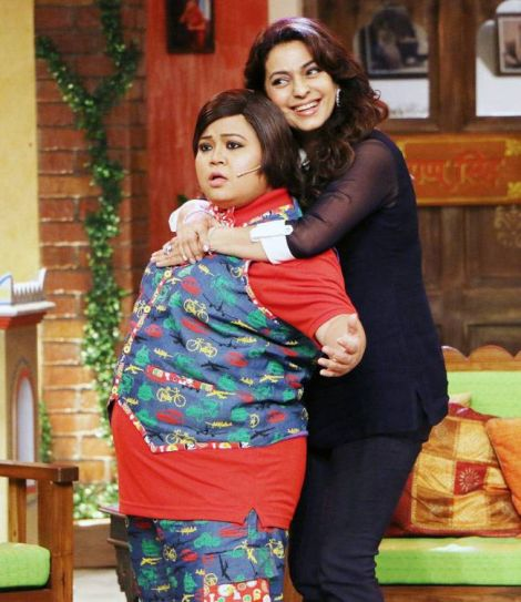 Juhi Chawla who's known for her perfect comic timing shares a funny moment with Bharti Singh.