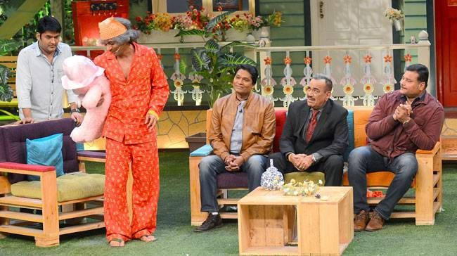 Sunil Grover aka Dr. Mashoor Gulati will also entertain CID team.