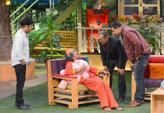 What are they up to? Shivaji Satam, Dayanand Shetty, Kapil Sharma and Sunil Grover.