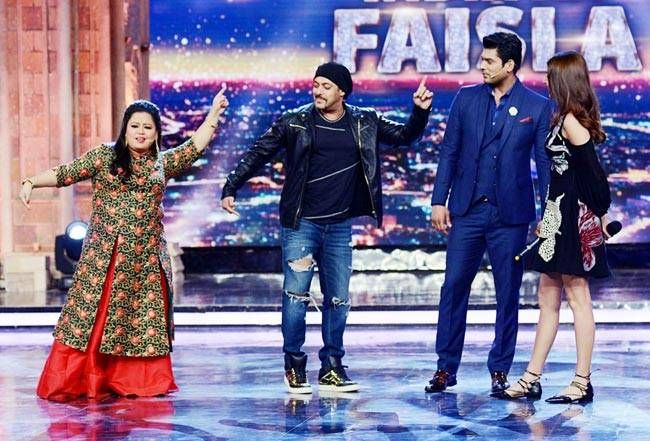 Salman and Anushkha with Bharti Singh on India's Got Talent.