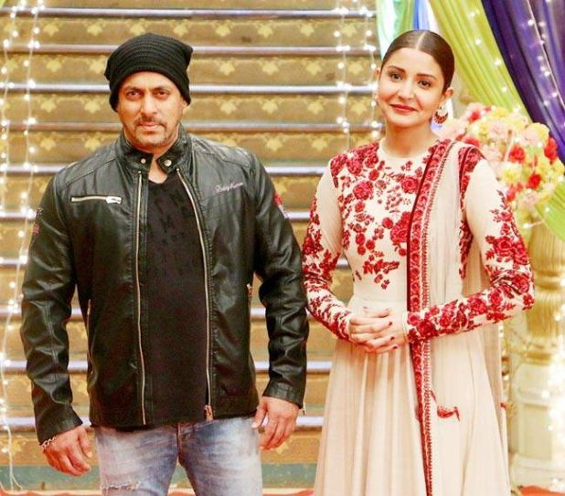 Sultan co-stars Salman and Anushka pose for cameras.