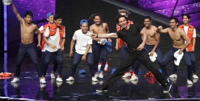 Tiger Shroff shakes a leg on the sets of Dance Plus 2.