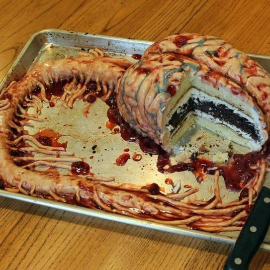 The human brain and nerve stems, recreated in edible form. Dey thinks it's interesting to create cakes that are bound to creep you out, but make you drool at the same time.