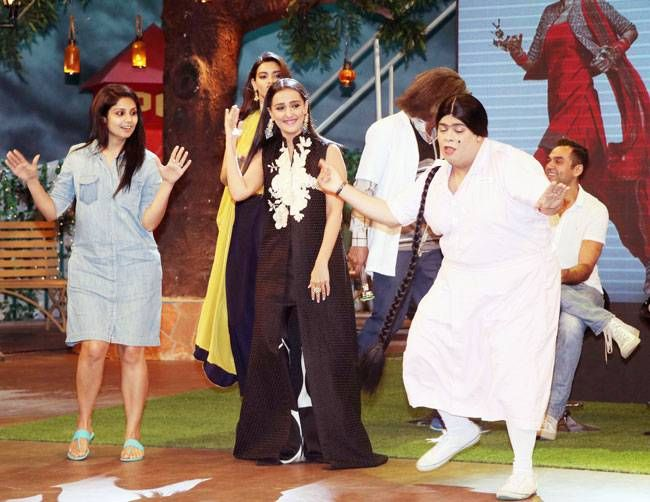 Team Happy... shakes a leg with team TKSS.