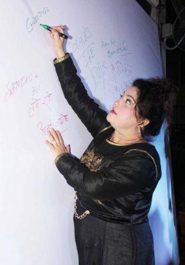 Dolly Bindra was also there to wish Sambhavna and Avinash.