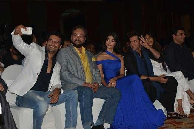 Cast of Mohenjodaro (L to R: Sharad Kelkar, Kabir Bedi, Pooja Hegde, Hrithik Roshan) at the promotional event