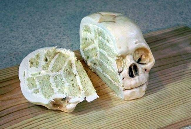 This shockingly realistic skull is actually a layered white cake! Katherine Dey bakes and decorates gruesome cakes that are anatomically accurate.