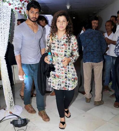 Newlywed Sambhavna Seth and her hubby Avinash Dwivedi were present at the prayer meet.
