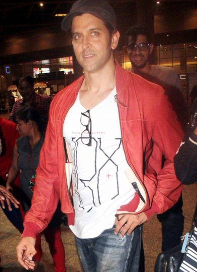 Hrithik Roshan was seen at the Mumbai international airport.