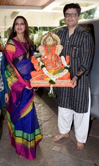Sonali Bendre and Goldie Behl before Ganpati Visarjan