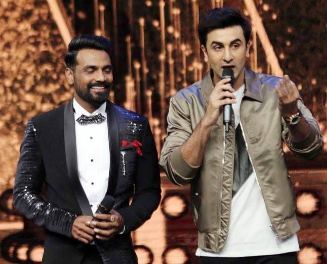 Ranbir Kapoor has an interesting story to tell as Remo D'Souza looks on.